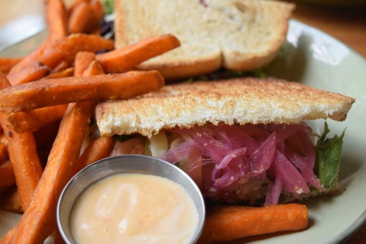 Salmon Sandwich Crest